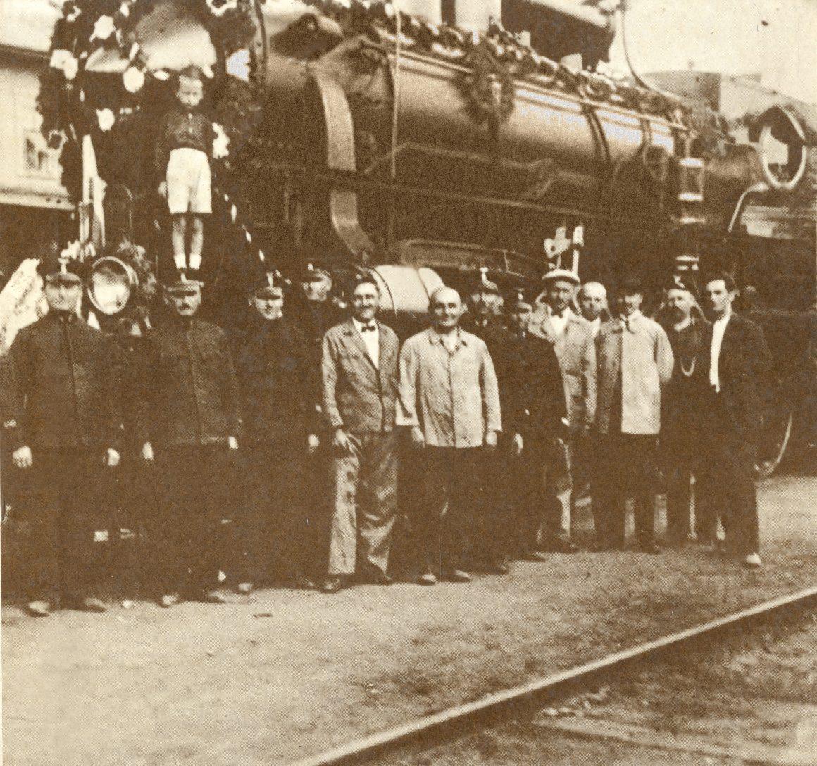 3-Душко-на-локомотиви-1160x1088